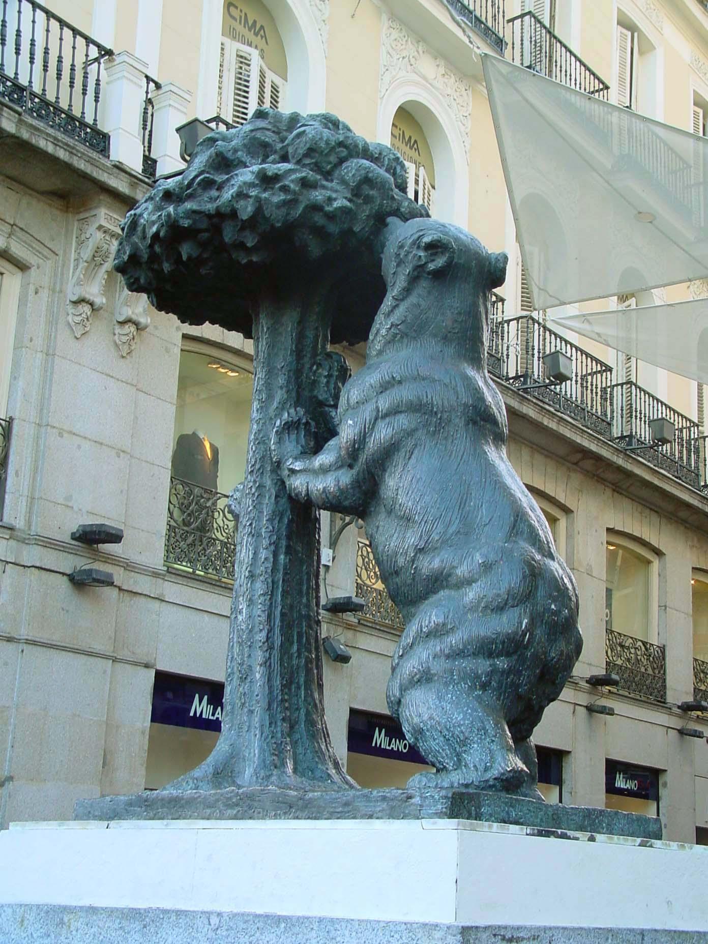 Estatua del Oso y el Madroño de Madrid