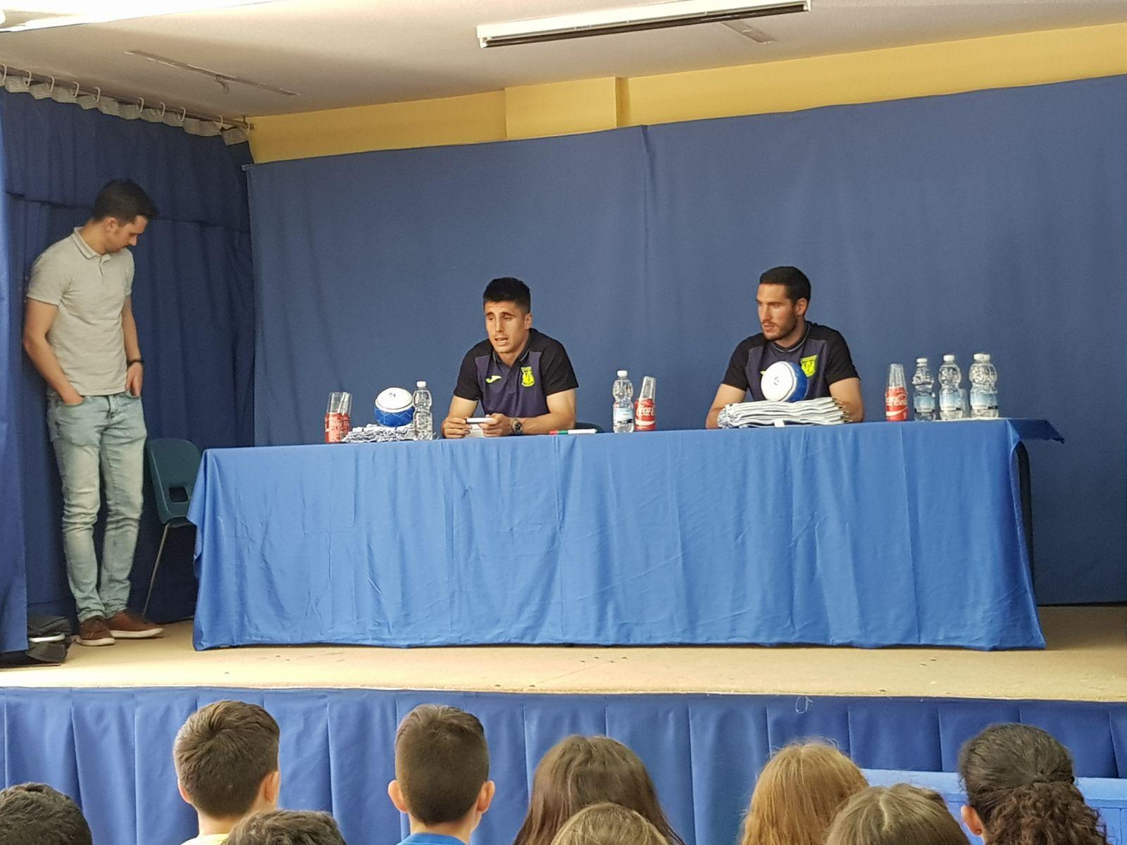 Los jugadores del C.F. Leganés visitan el cole 8