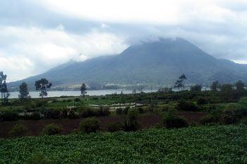 Laguna de San Pablo en Otavalo, Ecuador