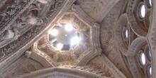 Iluminación, interior de la Sagrada Familia, Barcelona