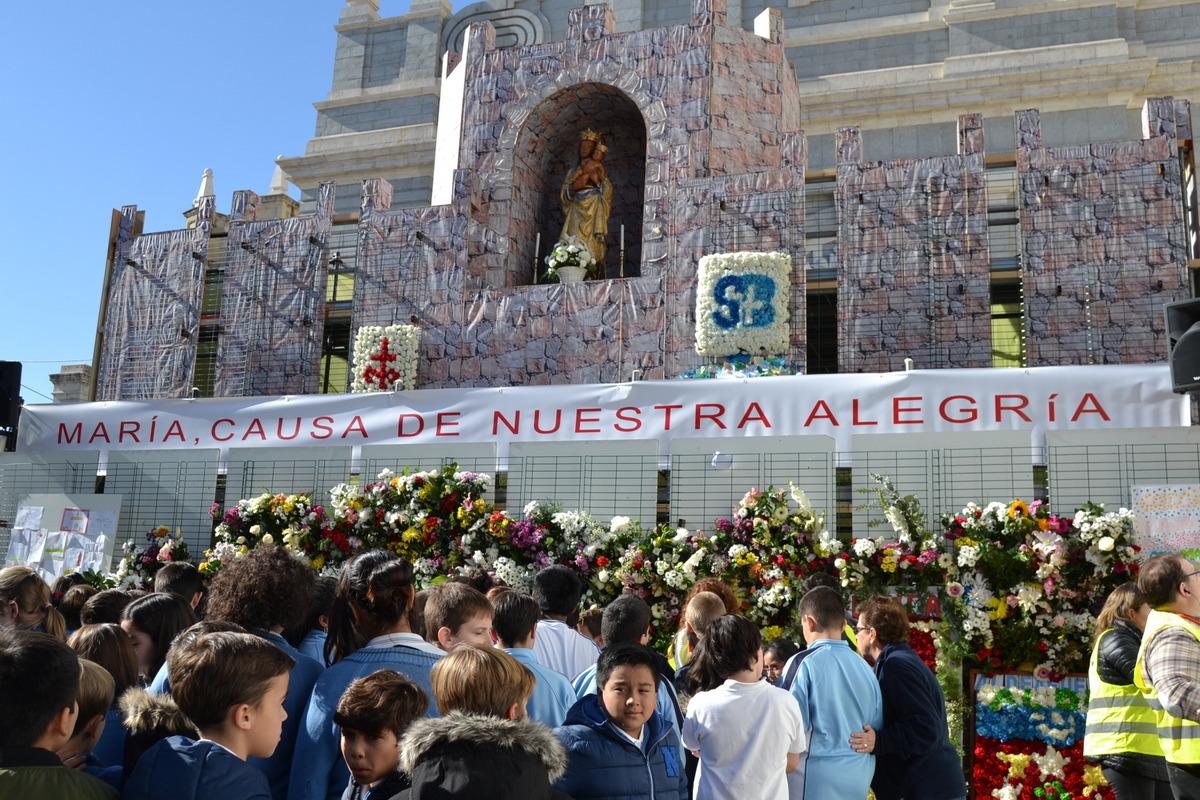Ofrenda floral a Nuestra Señora de la Almudena 2017 2