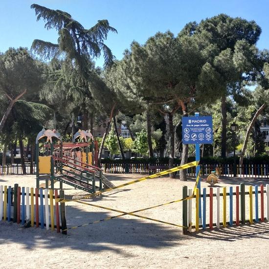 La pandemia en los parques infantiles 10
