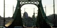 Vista desde el interior del Puente de la Libertad, Budapest, Hun