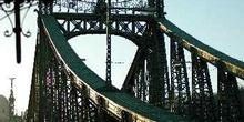 Estructura superior del Puente de la Libertad, Budapest, Hungría