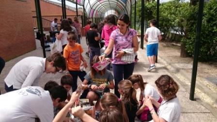 2017_04_21_JORNADAS EN TORNO AL LIBRO_TALLER DE RECICLADO DE PAPEL_SEXTO 9
