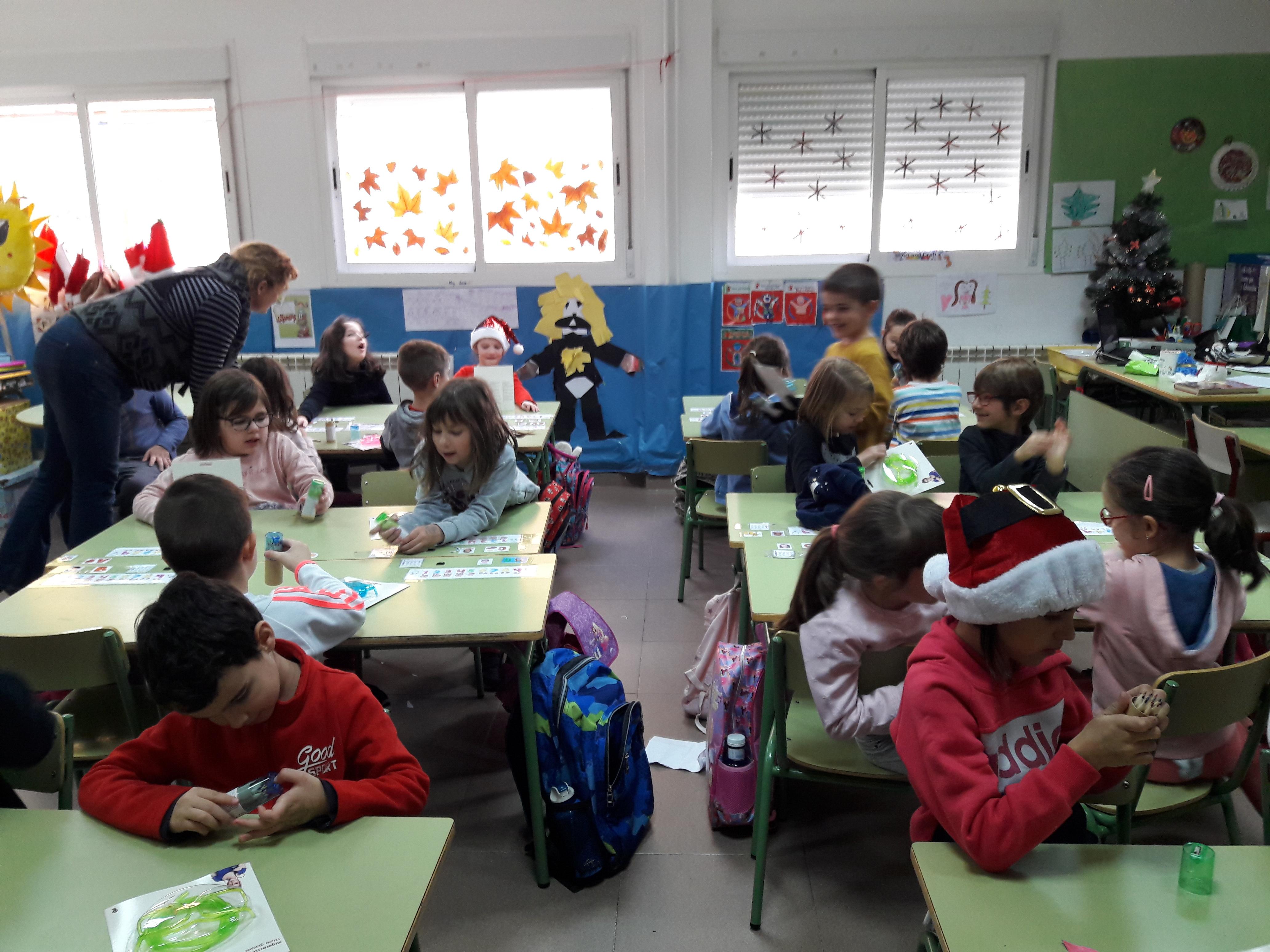 Santa Claus comes to School 13