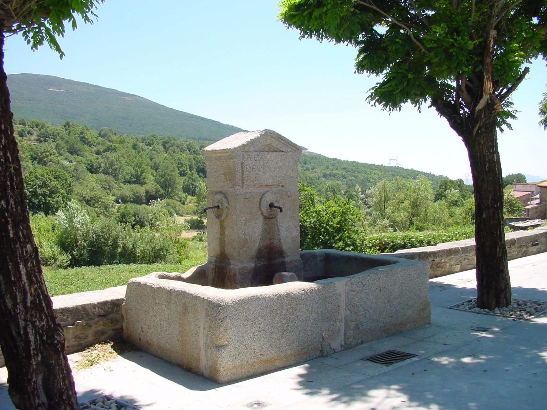 Fuente de piedra en Somosierra