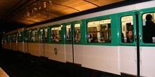 Metro de París, Francia