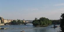 Puente de las Legiones e Isla de Kampa