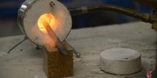Realizacion de herramientas para talla en piedra con pequeña fragua de gas