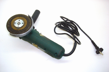 Máquina amoladora radial eléctrica