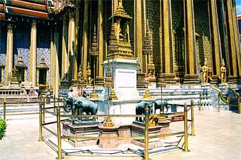 Altar de elefantes, Bangkok, Tailandia