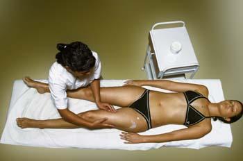 Vendas frías: extensión de crema reafirmante mediante masaje