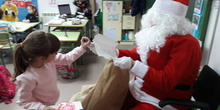 Santa Claus comes to School 15