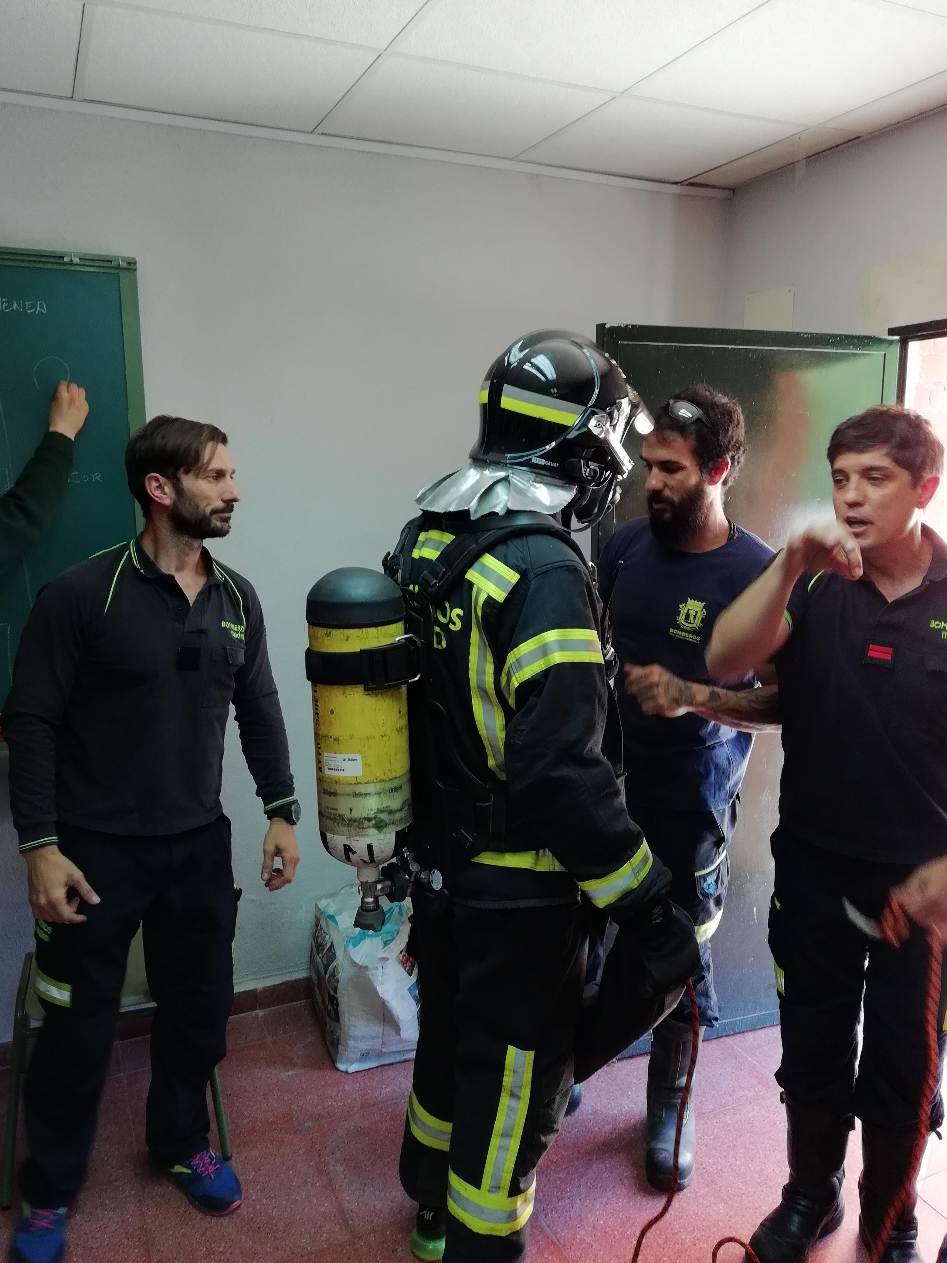 Visita de los bomberos a nuestro centro 7