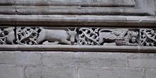 Catedral de Huesca. Cenefa con adornos de animales