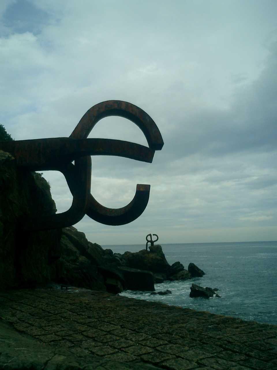 El Peine del Viento en Donostia-San Sebastián