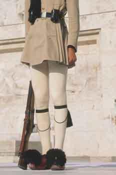 Soldado griego de la Plaza Sindgama, Atenas, Grecia