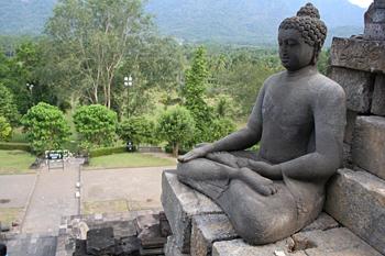 Buda meditando, Templo Borobudur, Jogyakarta, Indonesia
