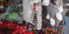 Máscaras colgadas en recuerdo de los Atentados del 11-M