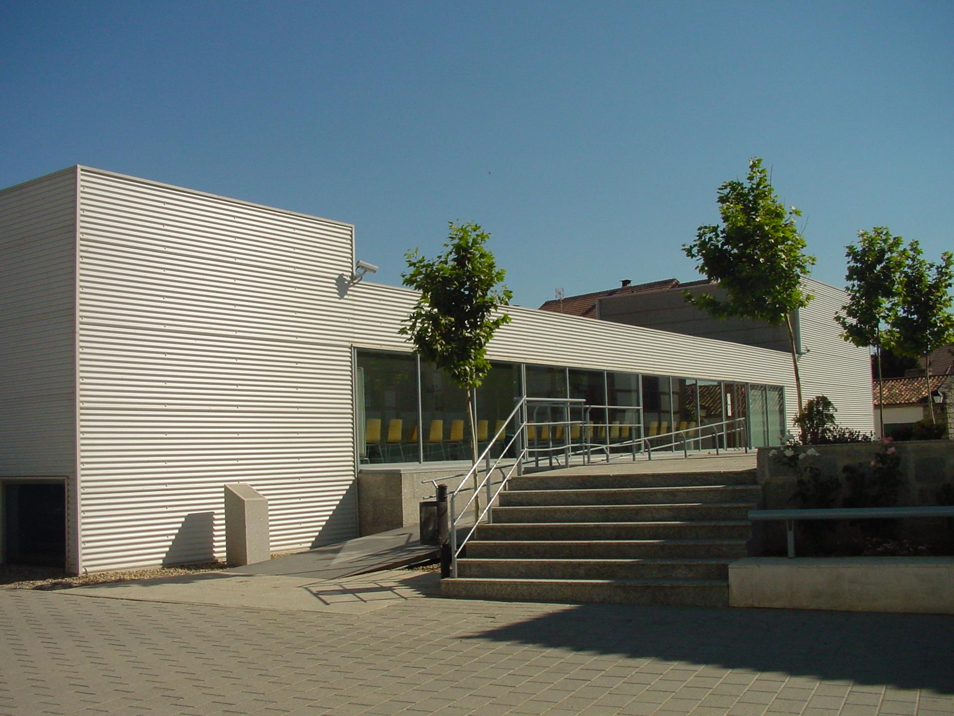 Edificio moderno en Quijorna