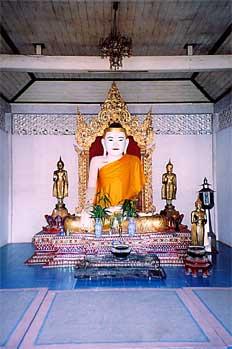 Buda blanco, Chiang Mai, Tailandia