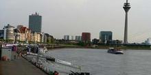 Skyline de la zona fluvial de Dusseldorf, Alemania