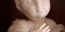Escultura de un niño