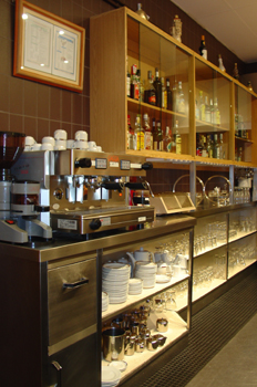 Vista general del taller de restaurante y bar