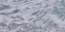 Acercamiento a la cascada de hielo del Khumbu