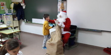 Santa Claus comes to School 14