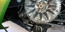 Ciclomotor. Piñón de arranque eléctrico y corona