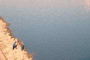 Pescadores en el Danubio, Budapest, Hungría