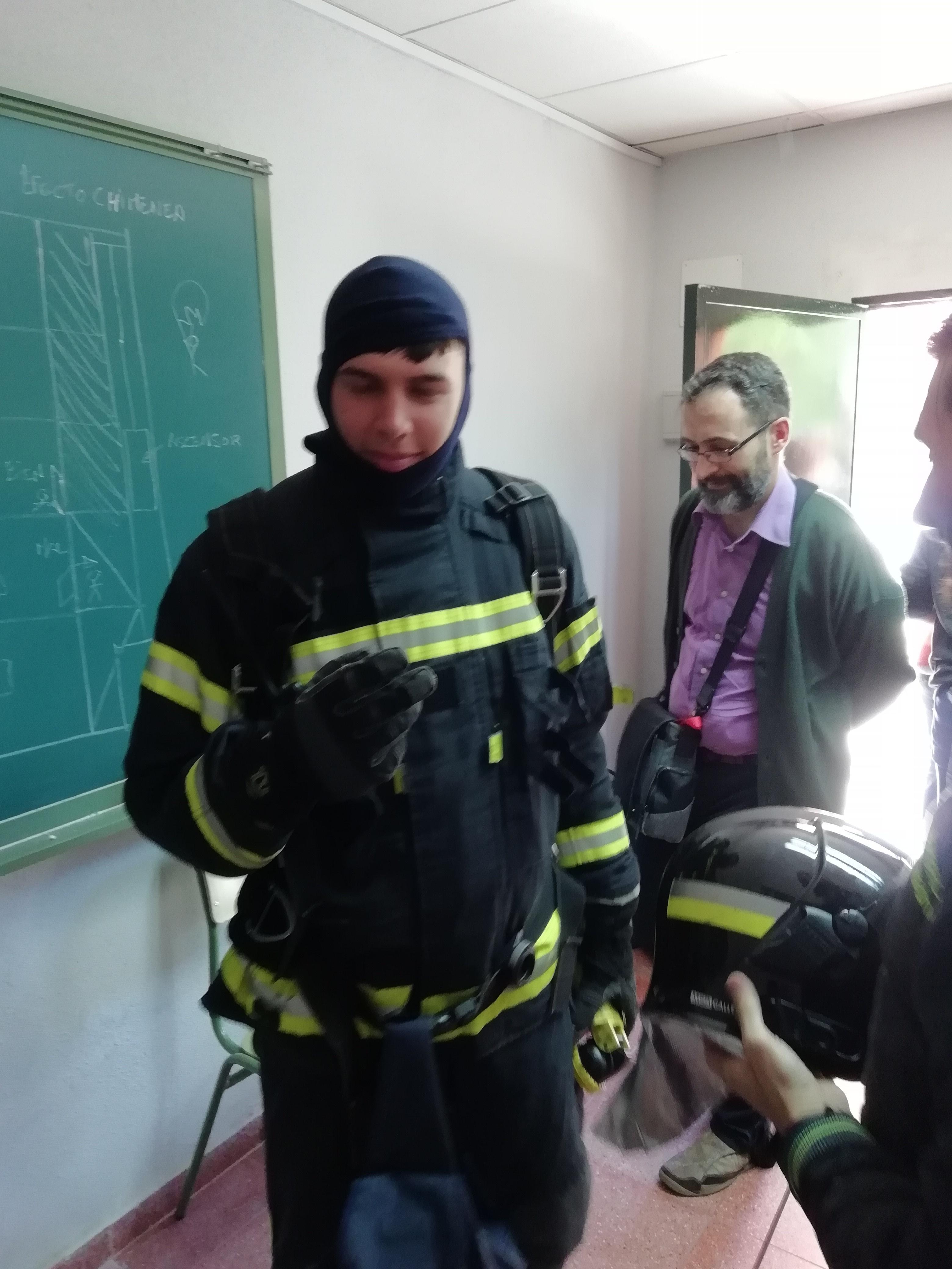 Visita de los bomberos a nuestro centro 6