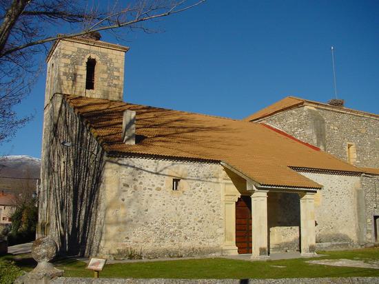Lateral Iglesia de Alameda del Valle