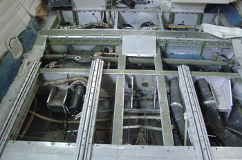 Estructura soporte piso fuselaje