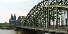 Puente de metal en Colonia, Alemania