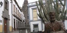 Calle y catedral de Arucas