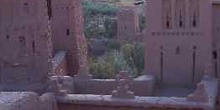 Vista entre las torres de una fortaleza, Ait Benhaddou, Marrueco