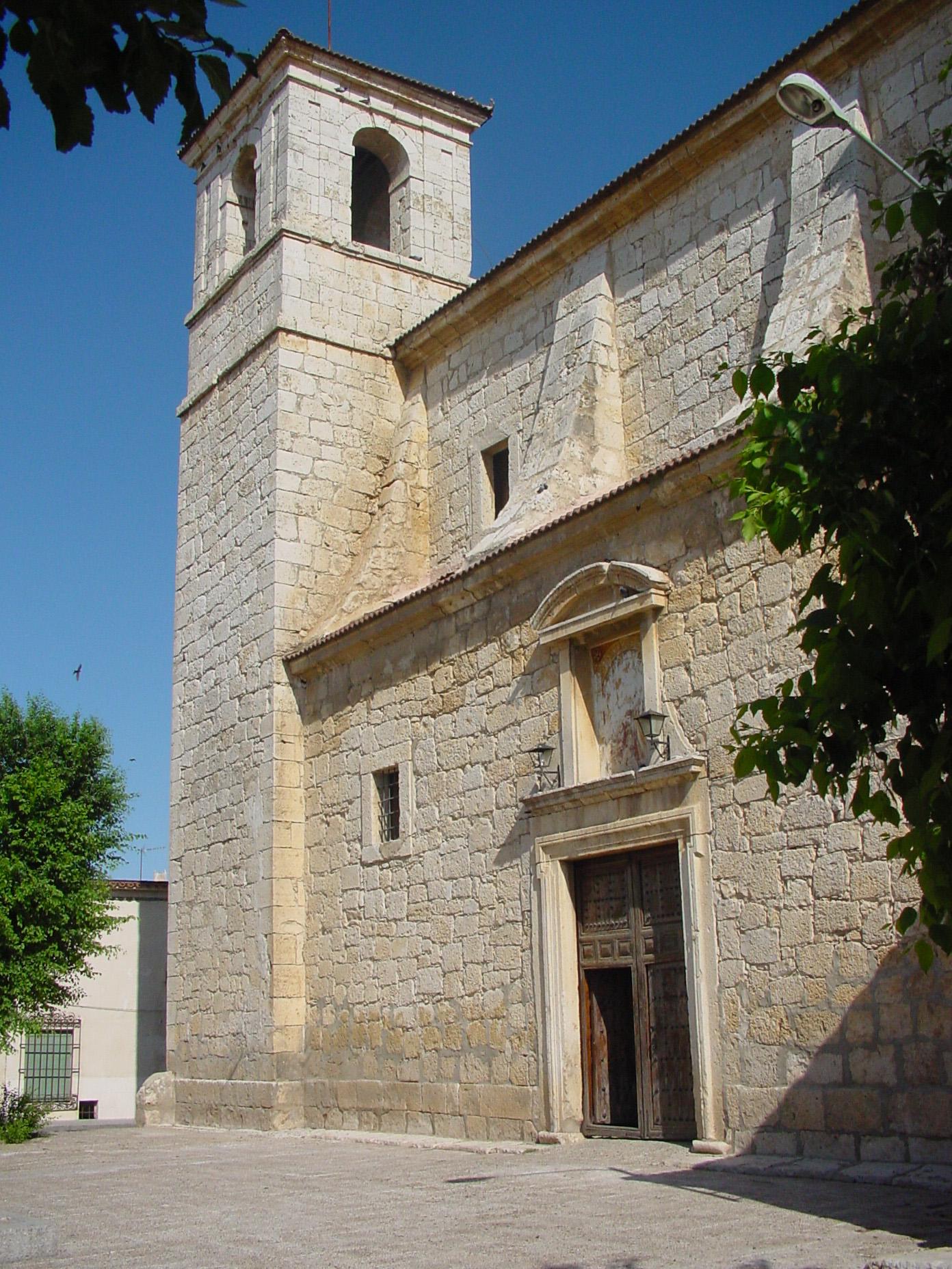 Vista de iglesia en Villaconejos