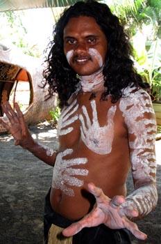 Aborigen preparado para la danza, Australia