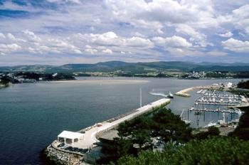 Puerto deportivo de Ribadeo en la ría del Eo, Castropol-Vegadeo,