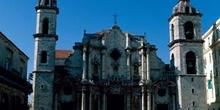 Vista frontal de la Catedral de La Habana, Cuba