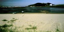 Desembocadura a la ría de Avilés y arenal de la ensenada de Llor