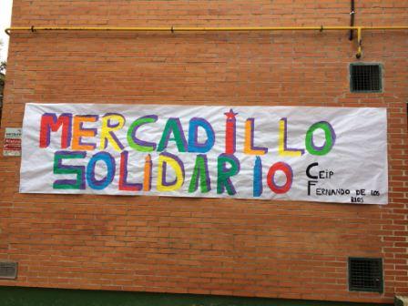 2017_01_MONTANDO EL MERCADILLO SOLIDARIO 2
