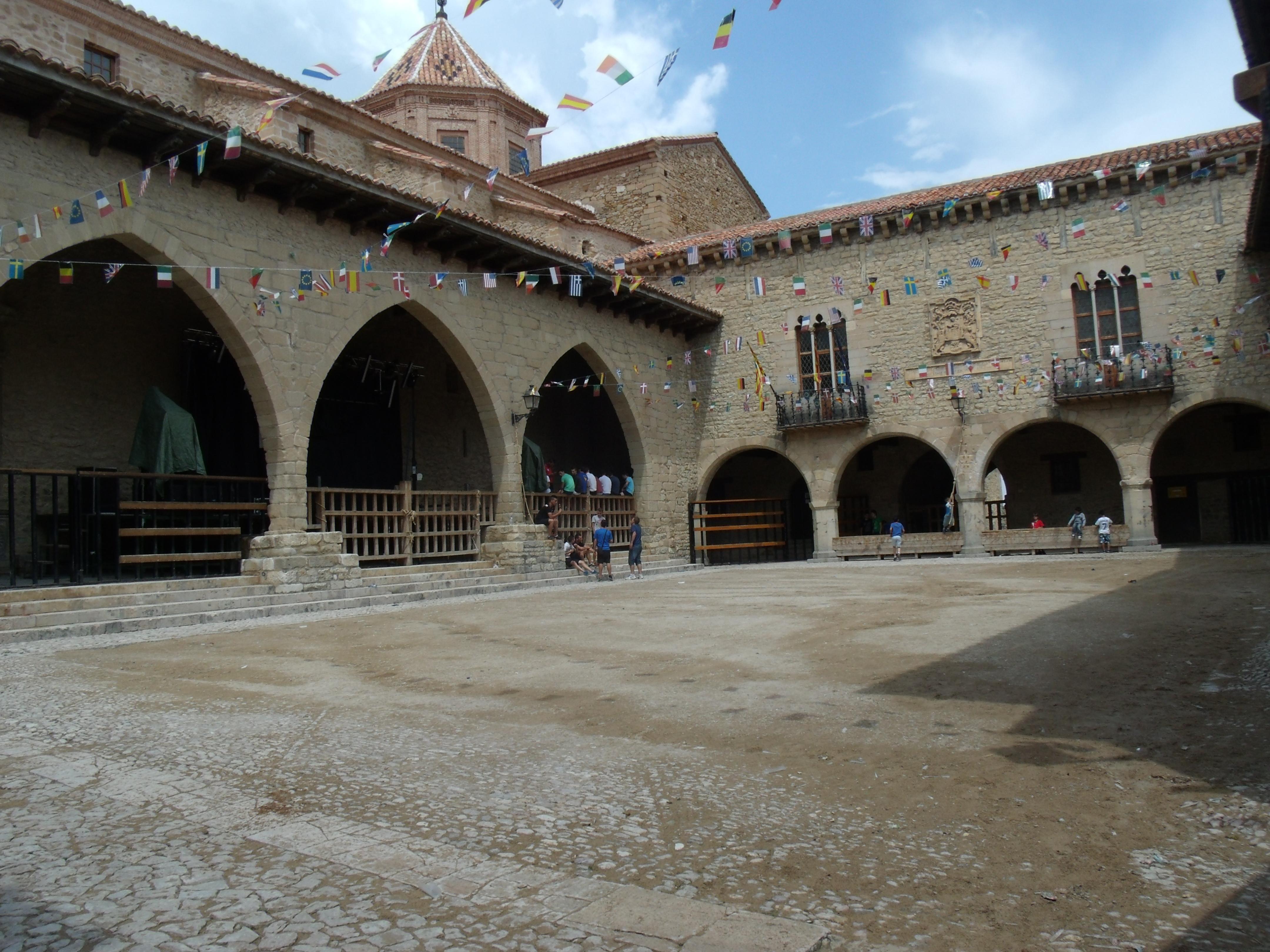 Plaza Mayor de Cantavieja