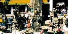 Altares varios dedicados a numerosos dioses, Tailandia