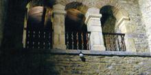 Tribuna de la iglesia de Santianes de Pravia, Principado de Astu