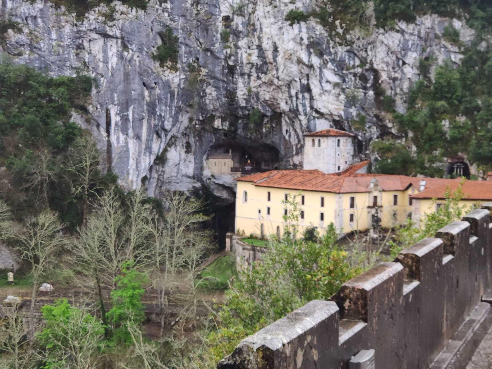 Santa Cueva de Covadonga 11