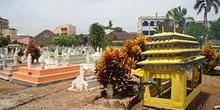 Cementerio de mezquita Al Mashun, Medan, Sumatra, Indonesia